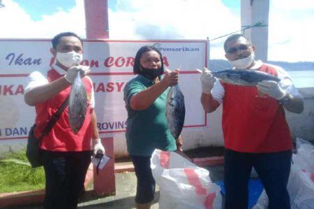 2 5 Ton Ikan Tuna Dan Cakalang Dibagikan Ke Masyarakat Siwalima